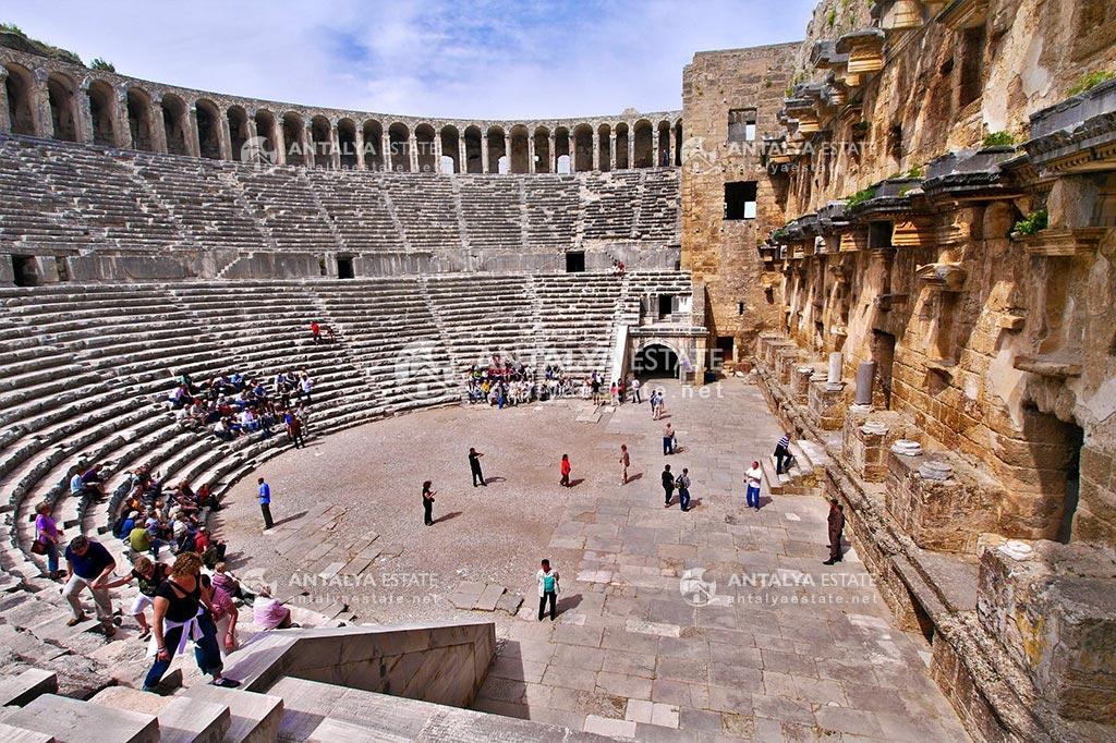 Aspendos Antik Tiyatrosu (Aspendos Theater)